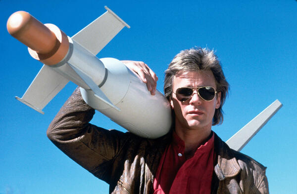 MacGyver marketing the icehouse